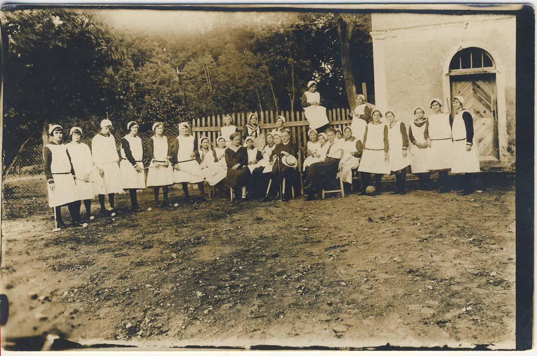 Szkoła D0mowej Pracy Kobiet Kórnik - uczennice