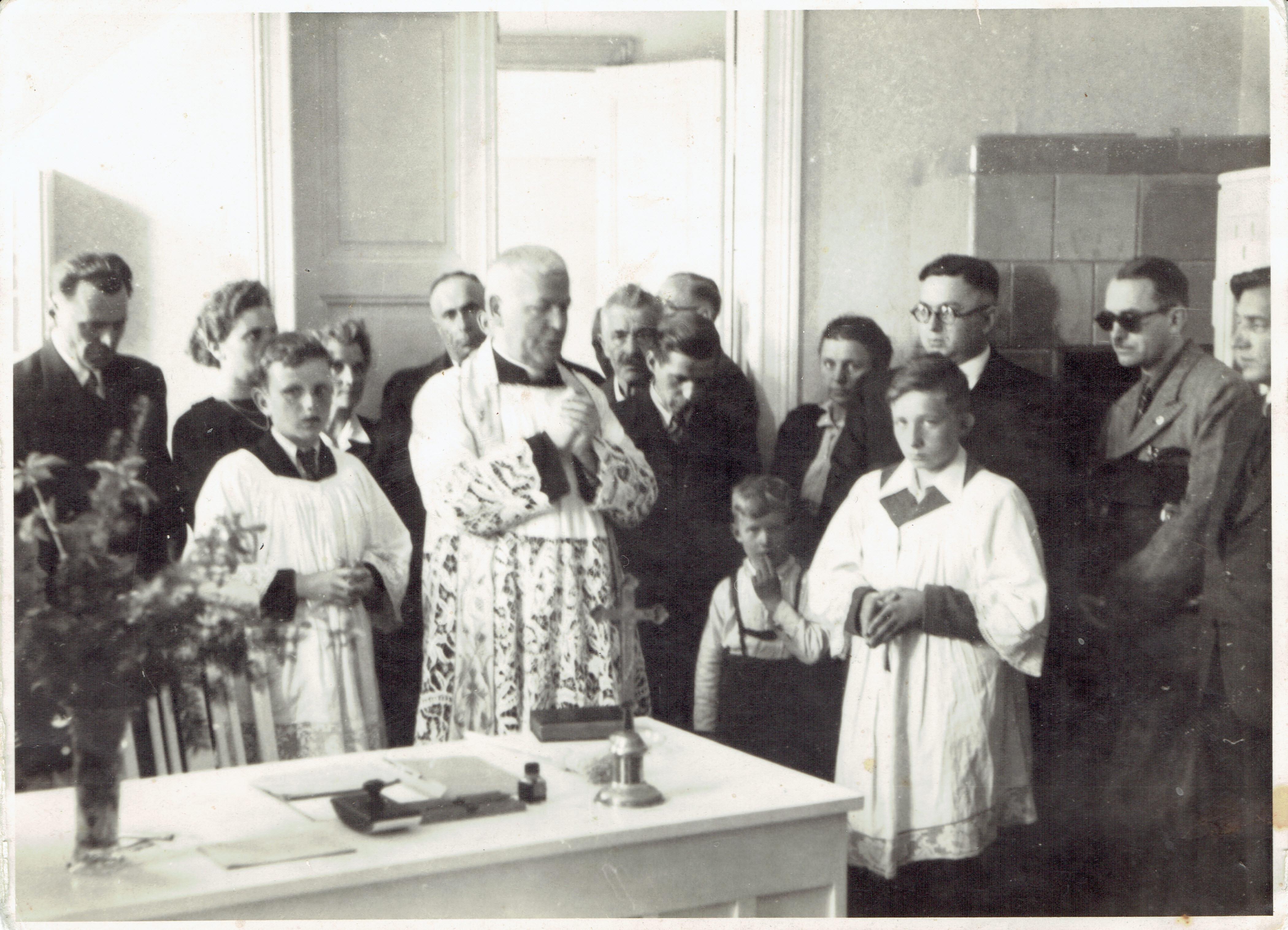 Poświęcenie ośrodka zdrowia w Kórniku 28.04.1946r.