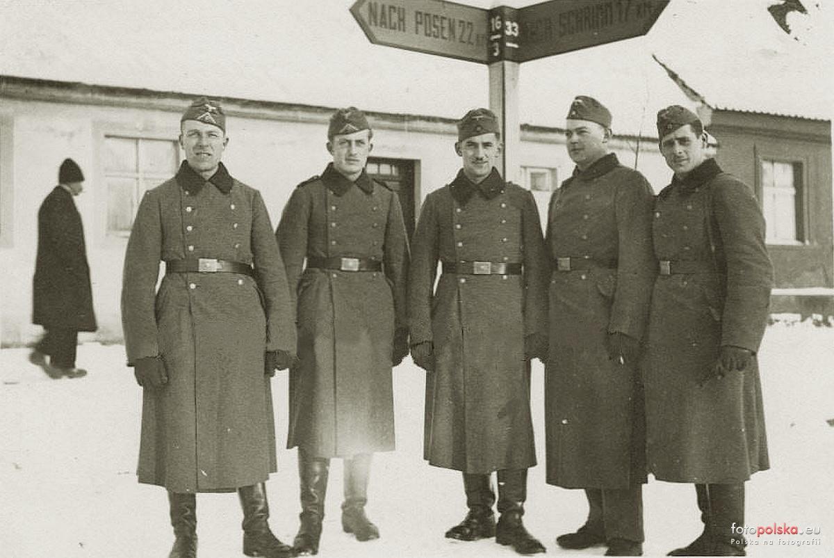 Żołnierze niemieccy - rynek w Bninie 1940