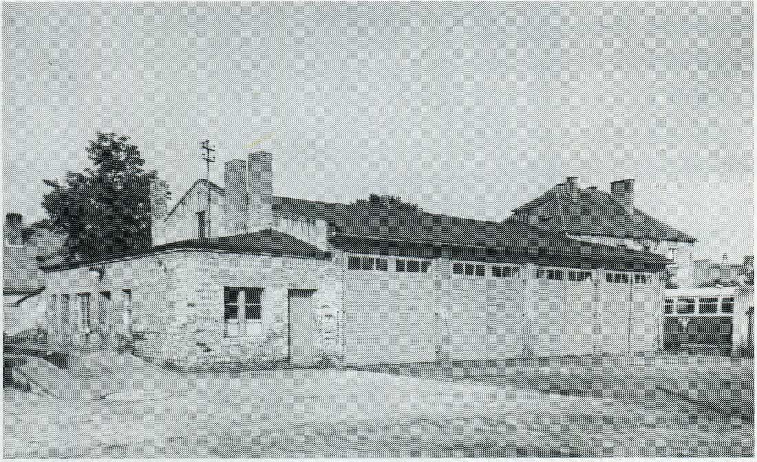 hala-zajezdni-ul-reja-kornik-1965-strona