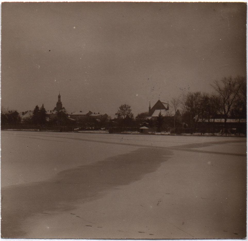 Ratusz Kórnik 1909 - zima