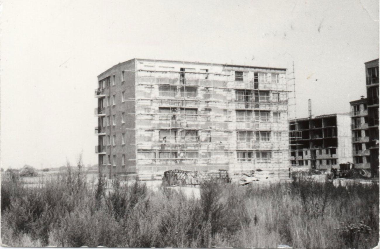 Osiedle Staszica - blok nr 12 podczas budowy. Rok 1973