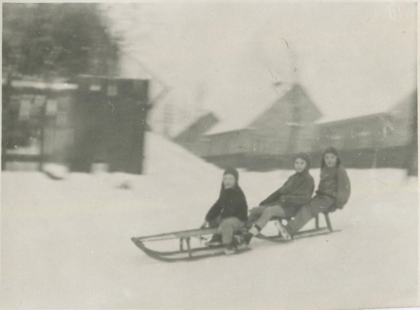 Kórnik, ul. Dworcowa - zima 1955r
