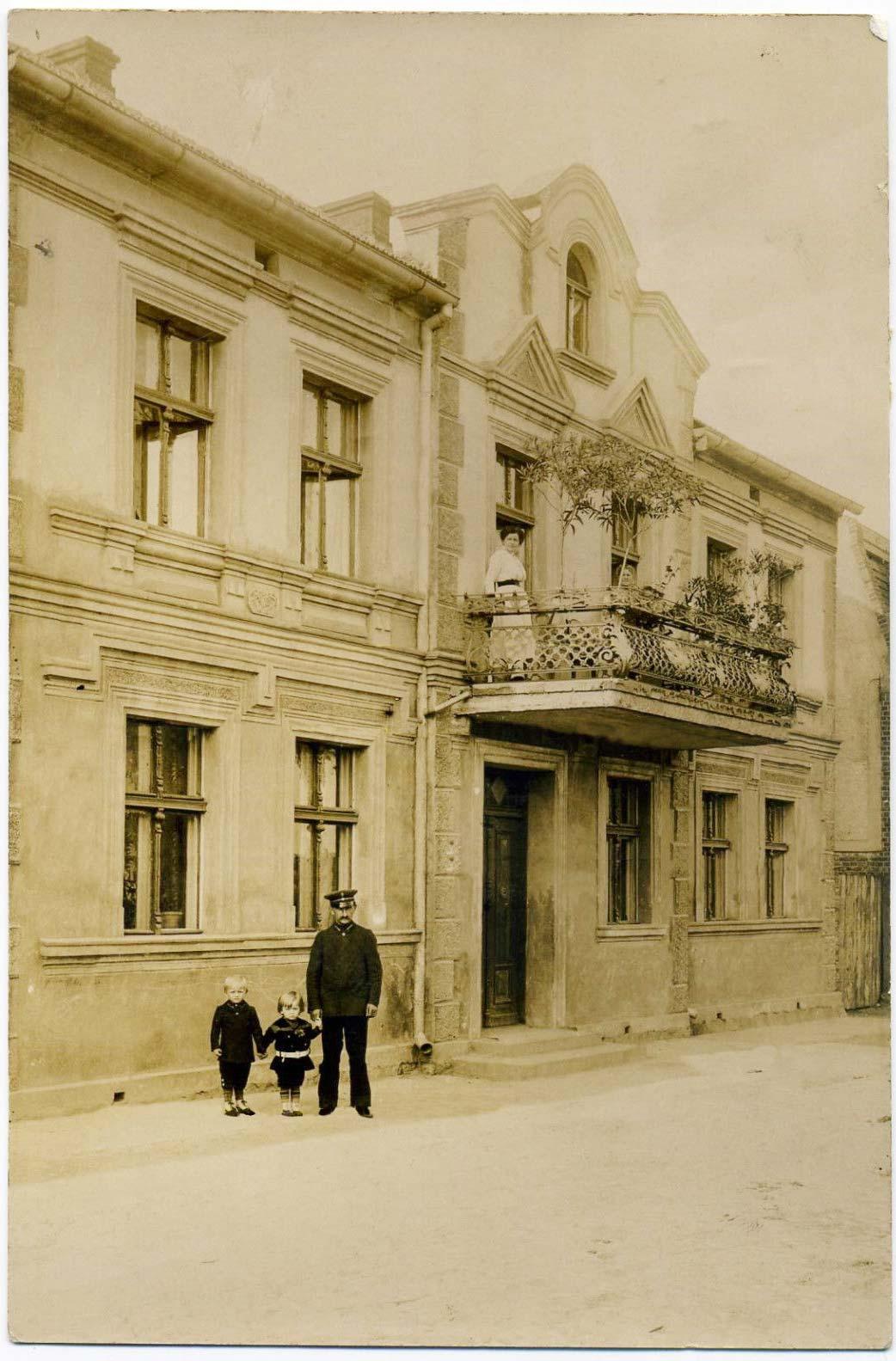 Kamienica, Bnin, ul. Szeroka. Około 1910 rok