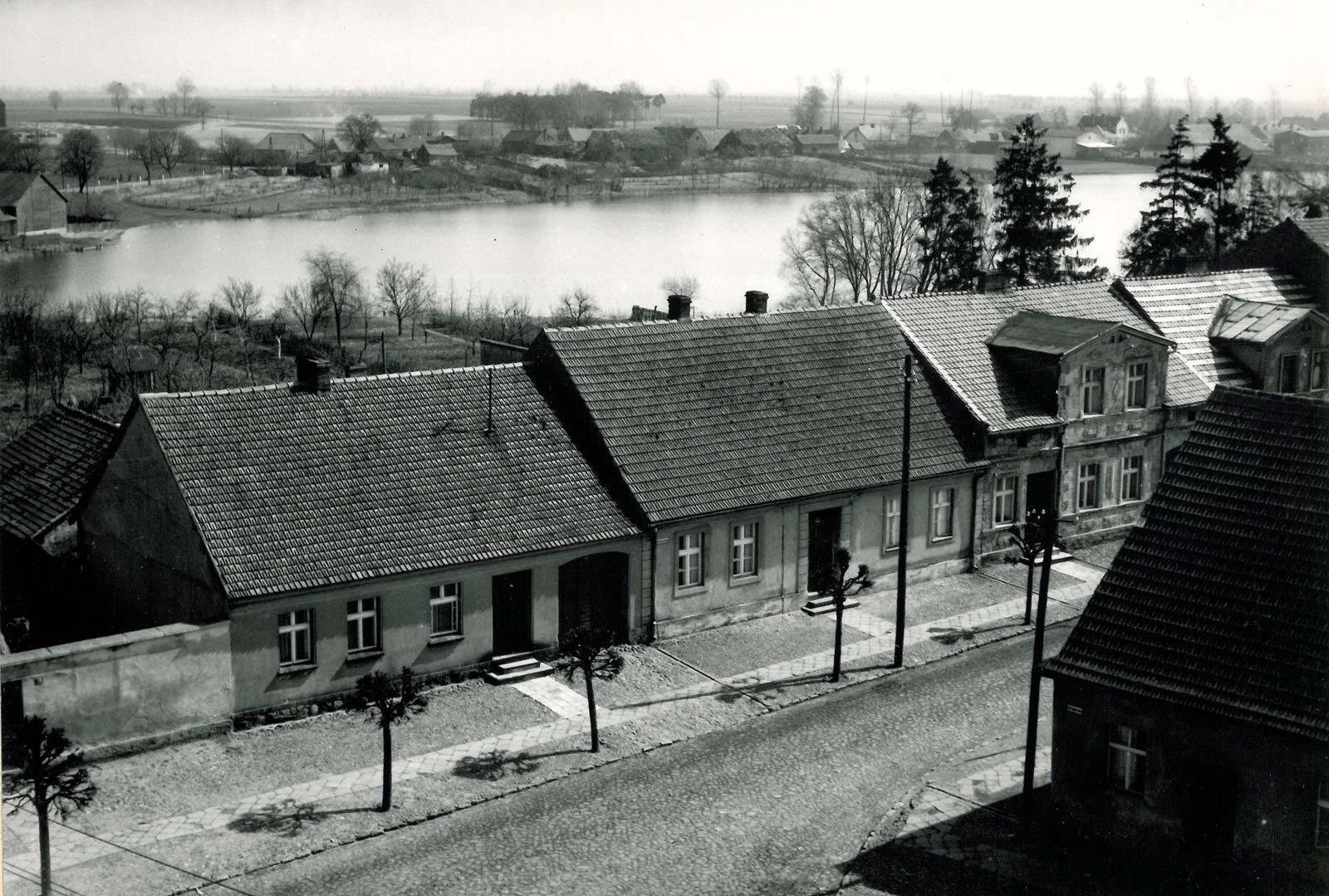 Widok z wieży ratusza w Bninie na wschód - 1961 rok