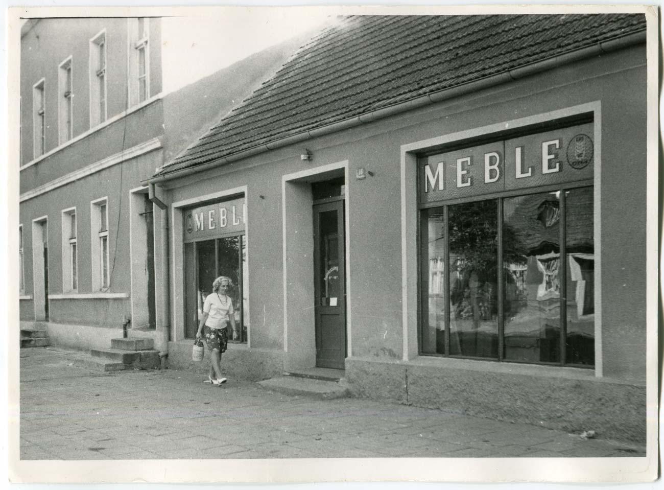 Sklep meblowy, Kórnik ul. Poznańska 16