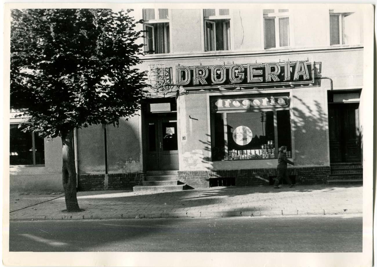 Drogeria Plac Niepodległości 10 - lata 70. XX wieku