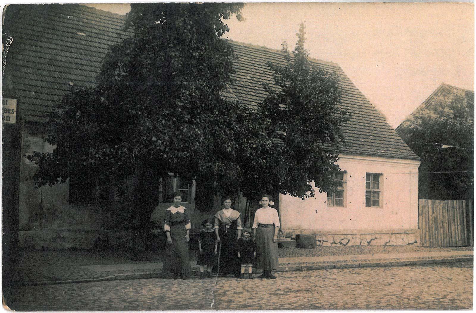 Plac Powstańców Wielkopolskich 13 i 14